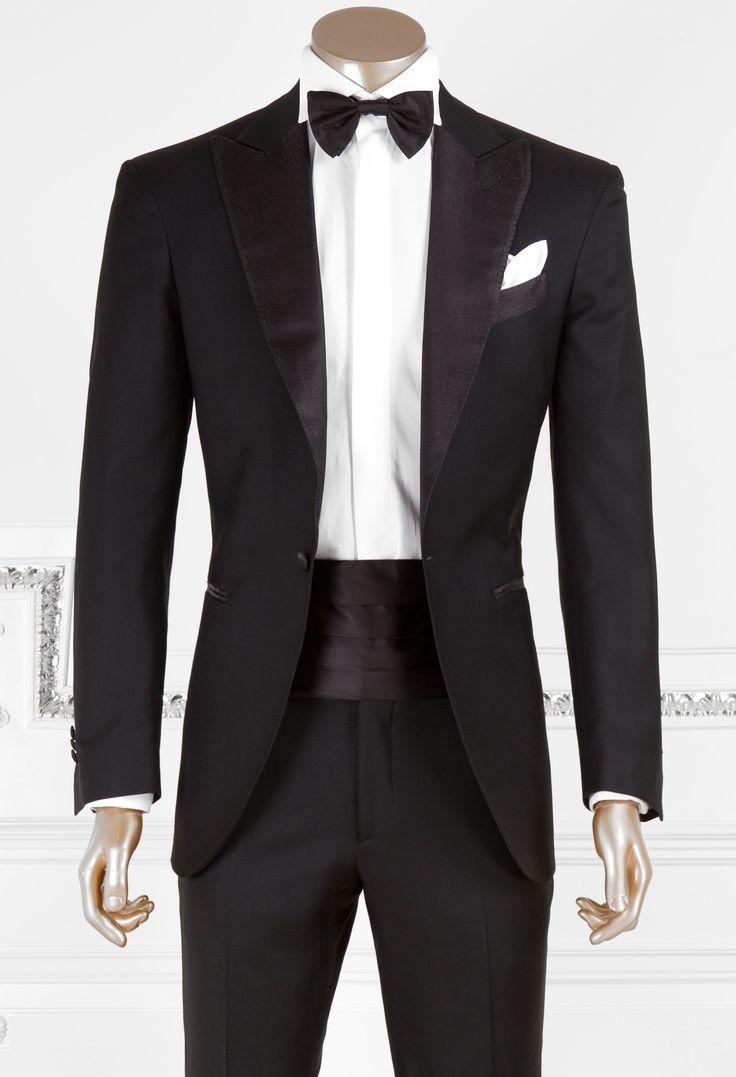 L'abito per l'uomo è sicuramente il capo di abbigliamento più elegante. Ecco le Basi dell'Eleganza suggerite dall'Avvocato: per scegliere l'abito più adeguato.