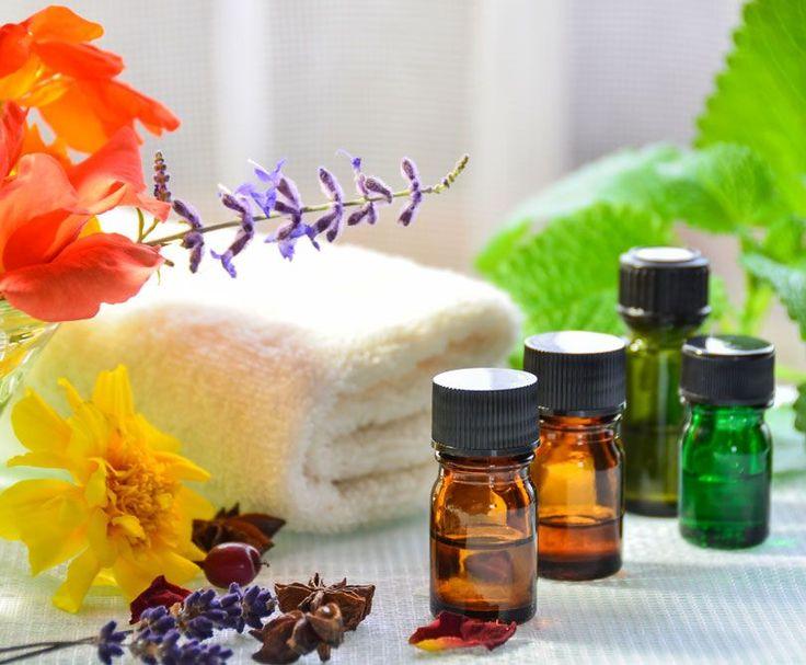 50 wichtige ätherische Öle mit Infos über ihre Wirkung auf Körper und Seele sowie Anwendungsmöglichkeiten für mehr Gesundheit, Schönheit und Wohlbefinden ...