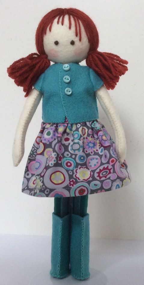 This is another stylish outfit but what really stands out is this dolls quirky personality...the fringe is a triumph.