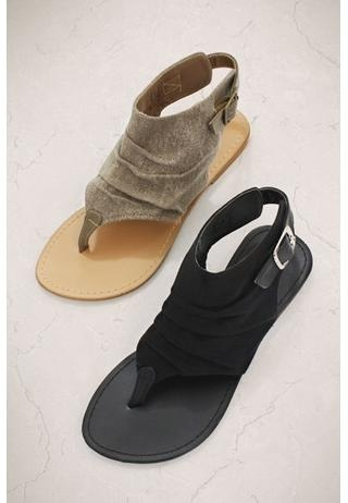 I didn't use to like this style of sandal, but it's grown on me. They are kind of laid back and cute!