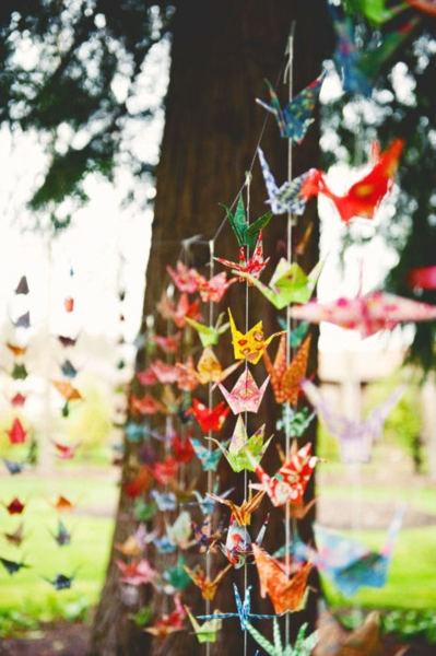 Paper cranes everywhereGardens Decor, Paper Cranes, Wedding Ideas, Wedding Decor, Parties, Garlands, Life Goals, Origami Cranes, Cars Parts