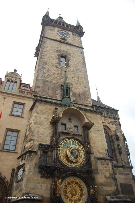 La emblemática y antiquísima Torre del Reloj de #Praga, #RepublicaCheca