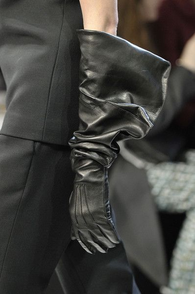 Bottega Veneta - get classic style length gloves and knit or crochet the large gauntlets