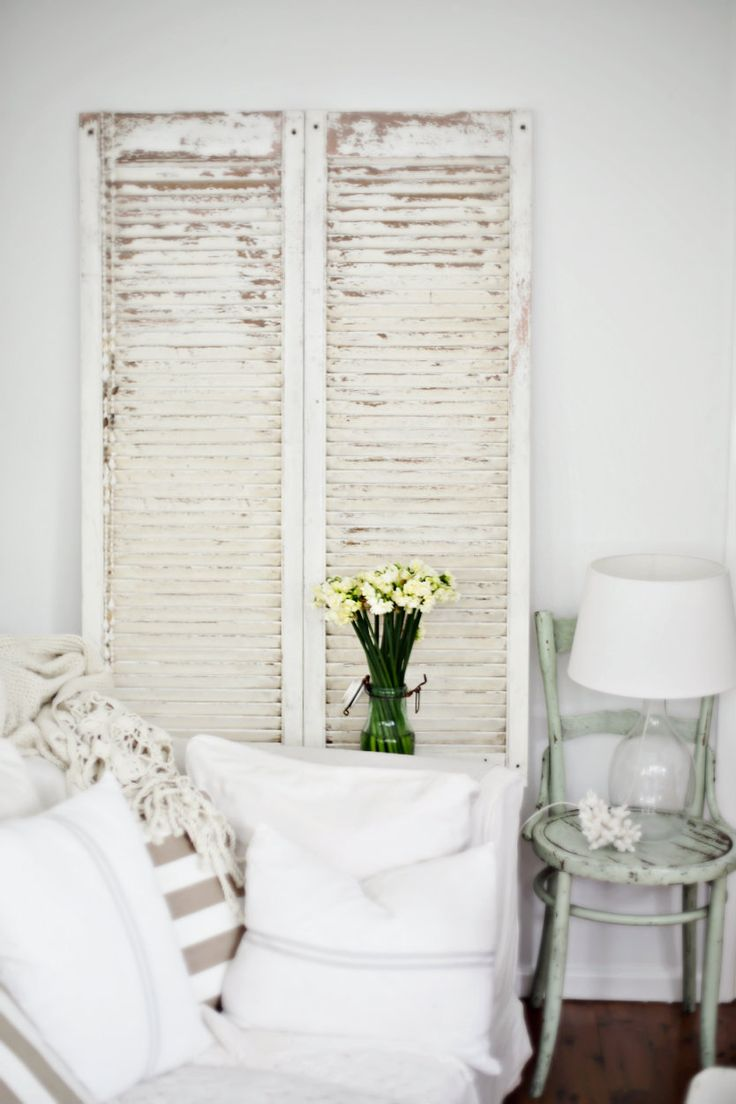 Makeover : Vintage Shutters Get The Beach Cottage Decor Look