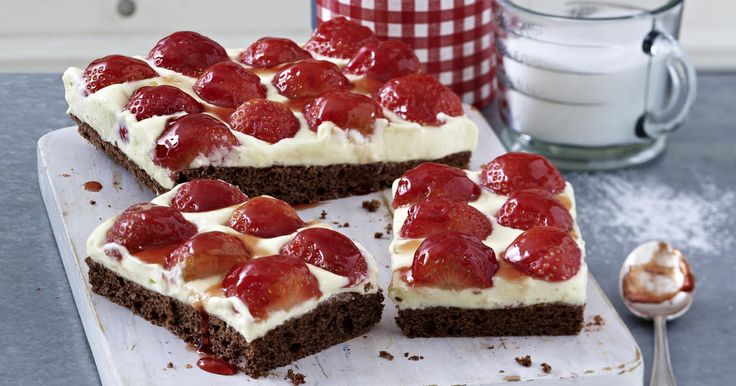 The best Chocolate and strawberry traybake recipe you will ever find. Welcome to RecipesPlus.