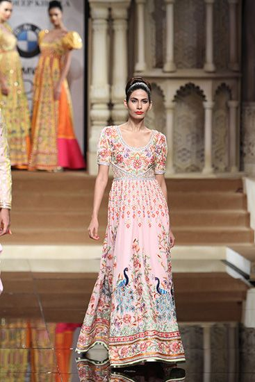 #TrinidadWeddings Abu Jani & Sandeep Khosla - BMW India Bridal Fashion Week 2015 For full BLOG click: http://www.trinidadweddings.com/index.php?option=com_easyblog&view=entry&id=118