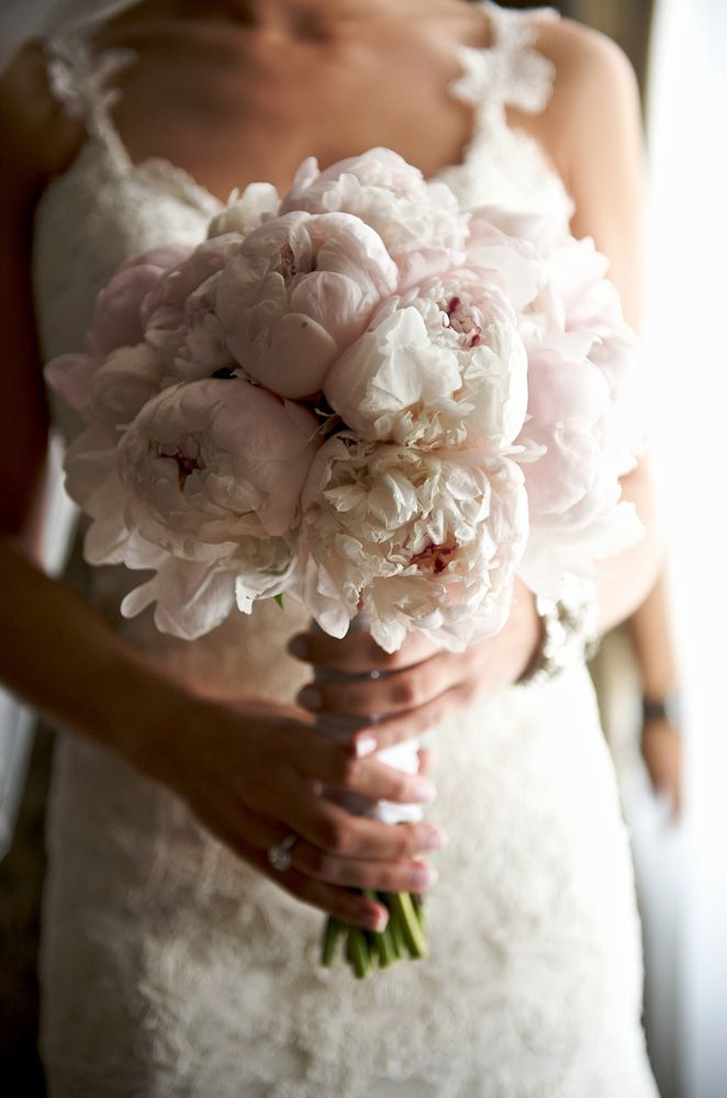 Bridal Bouquet | Christina and Leo wedding at Mirage Golf Club | Published in Wedluxe | Wedding Details