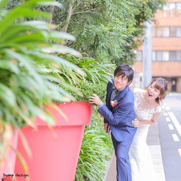 #二次会  披露宴が終わったら今度は二次会  ゲストの皆さんに見つからないように中の様子をこっそり伺う2人笑  まるで名探偵  二次会はさらに盛り上がりそう  #marry花嫁#ハナコレ#ウェディングニュース#プラコレ#marry花嫁図鑑#marry#farnyレポ#dressy花嫁#結婚#結婚式#結婚写真#ig_wedding#東京カメラ部#みんなのウェディング#ナチュラルウェディング#チェリフォト#alolea#前撮り#ロケーション前撮り#結婚式カメラマン#ブライダルカメラマン#結婚式準備#花嫁準備#プレ花嫁#プロポーズ#バンプデザイン#イトウスグル#日本中のプレ花嫁さんと繋がりたい