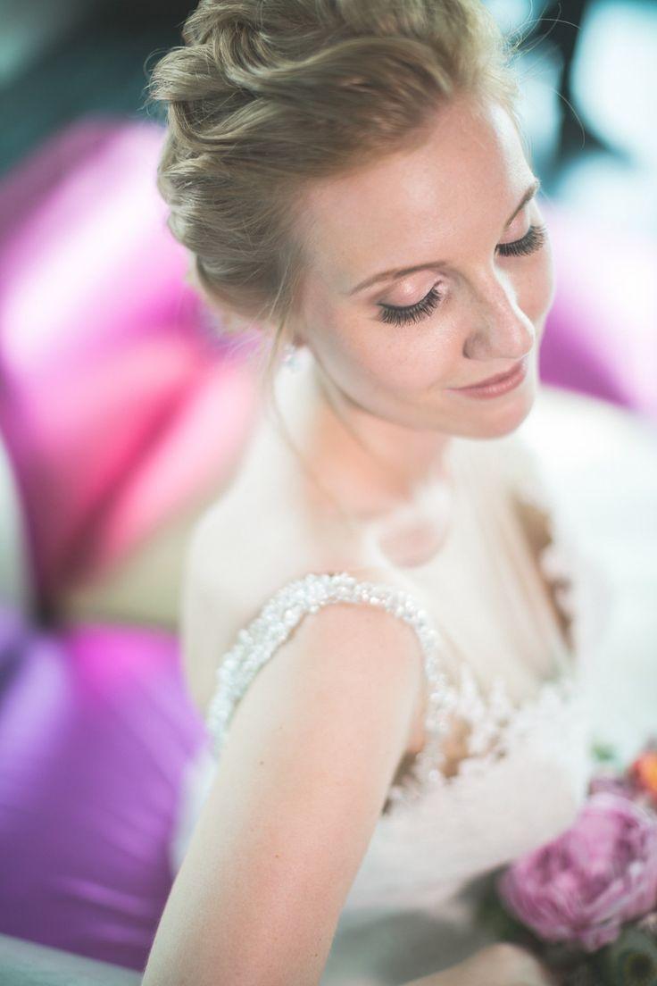 focus auf den augen, augenmake-up, rosetöne, bride make-up,