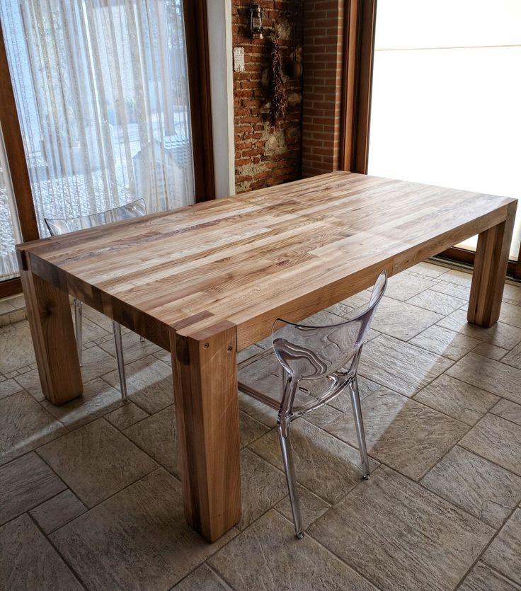 Tavolo in olmo massiccio stile moderno grosso spessore gambe squadrate finitura chiara