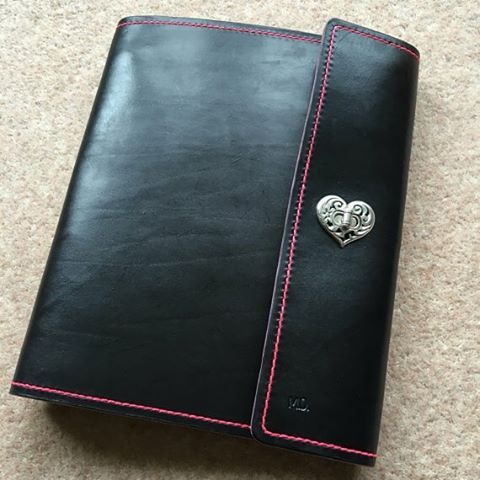 Deluxe A4 leather ring binder, heart closure and internal pocket. Can easily be personalised and monogrammed. www.bentleyleathercraft.com