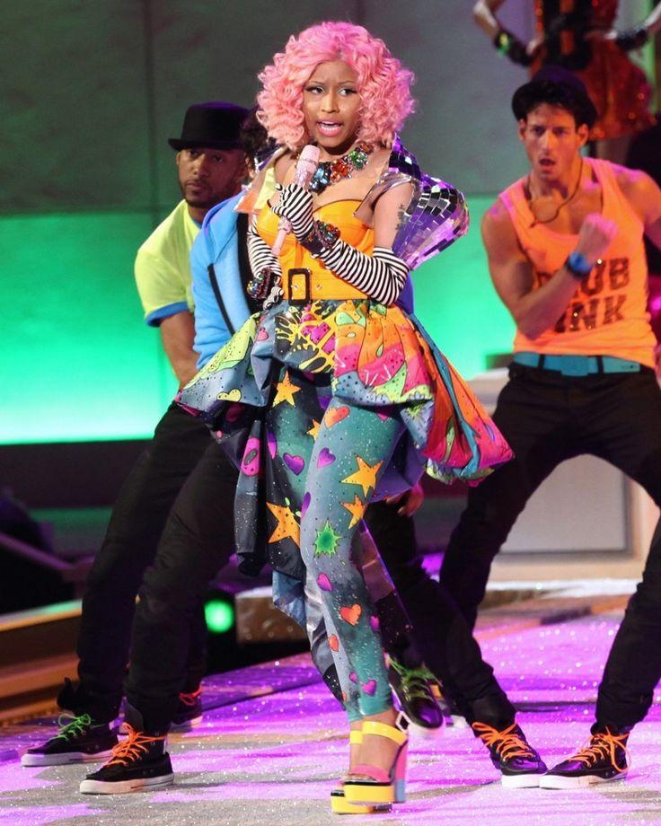 Nicki Minaj wears really interesting stuff. What do you think? Fashion icon or a fashion disaster >>