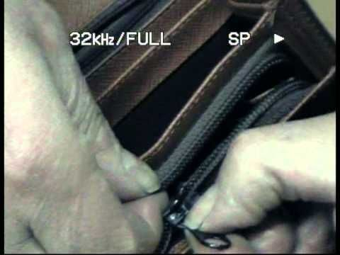 Broken zip, maybe not; cerniera rotta, forse no - YouTube