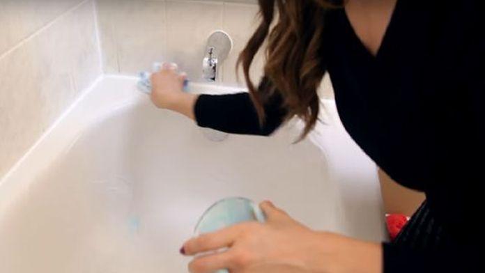 Vyčistěte a provoňte celou koupelnu za pár minut jen díky 3 ingrediencí z Vaší kuchyně! | Vychytávkov