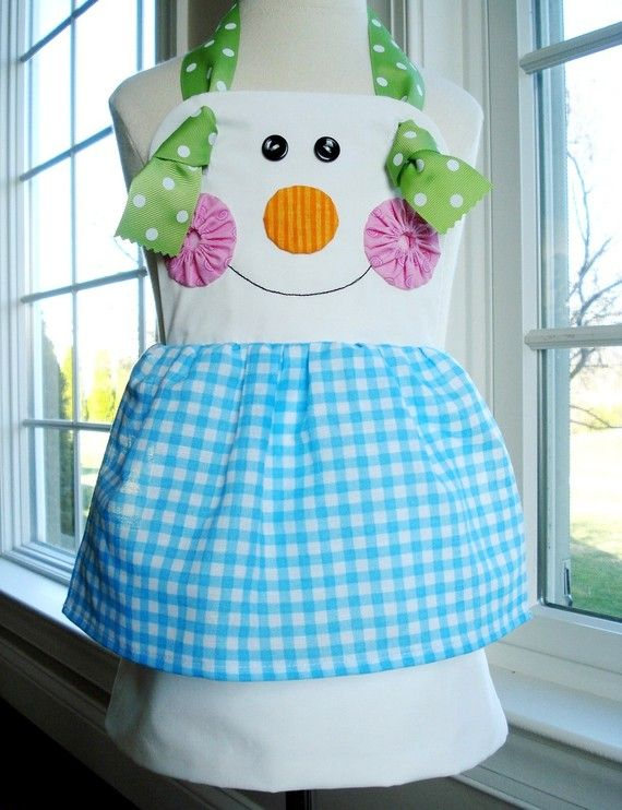Apron Sewing Pattern for Children - Gingerbread Girl, Snowman and Plain Knot Apron - PDF ePattern - I really need to learn how to sew! Im a kid i need one of these.