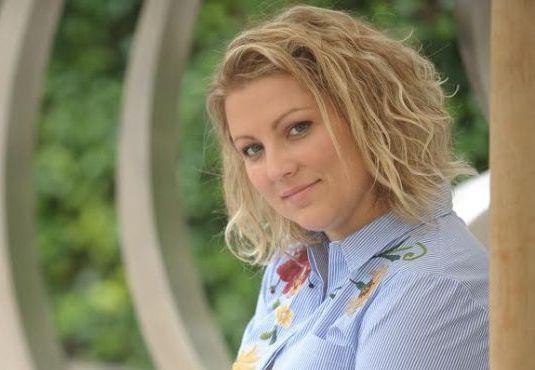 Άννα Μαλισιόβα: «Με τη μέθοδο Tomatis μπορείς να ζεις καλύτερα…» http://fractalart.gr/anna-malisiova/