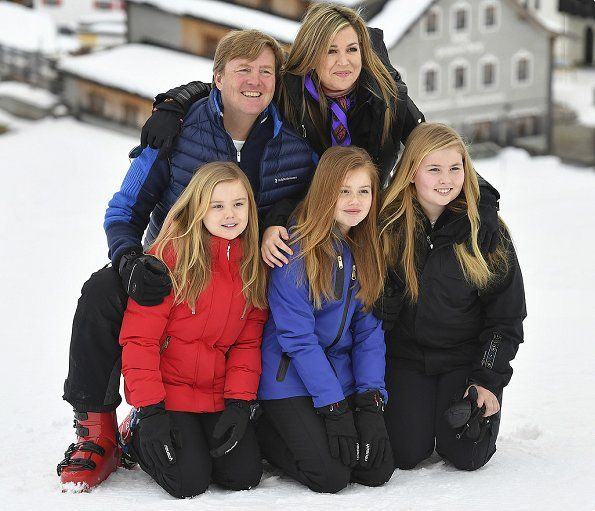 Newmyroyals:  Dutch Royal Family photoshoot in Lech, Austria, February 27, 2017-King Willem-Alexander and Queen Maxima with their daughters Princess Ariane, Alexia and Amalia