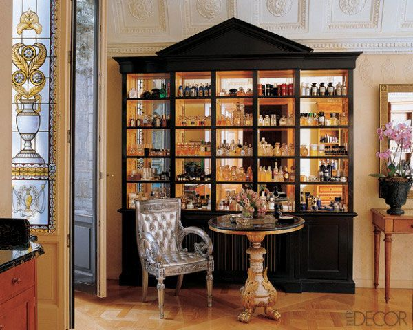 Donatella Versace's perfume collection [maybe it's more than a little OTT, but what a nice setup!]