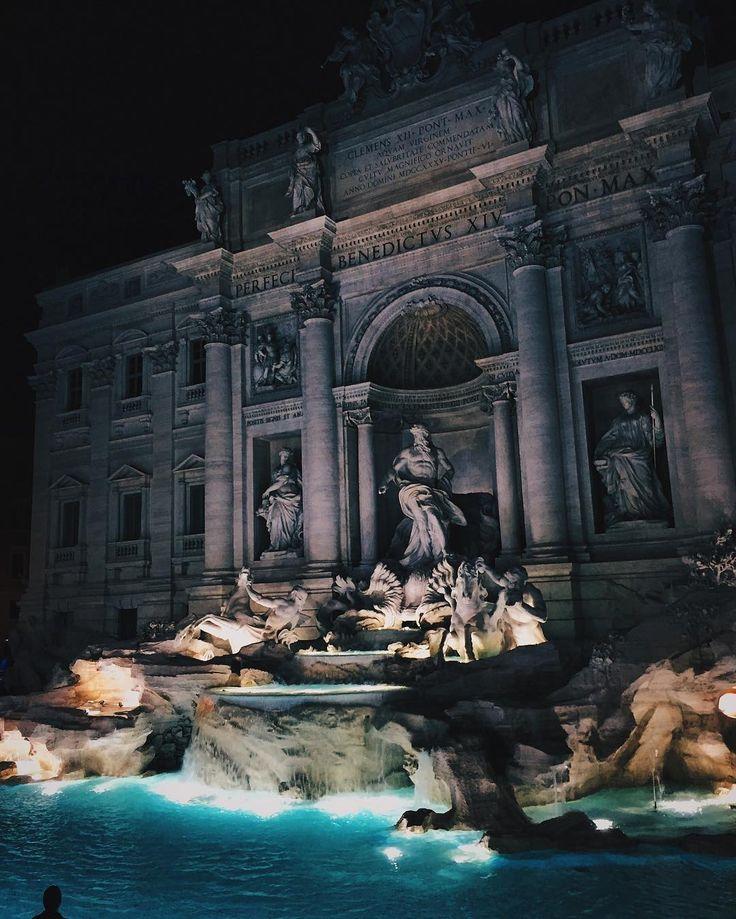 Trevi Fountain, Rome  (@stijnjansenn)