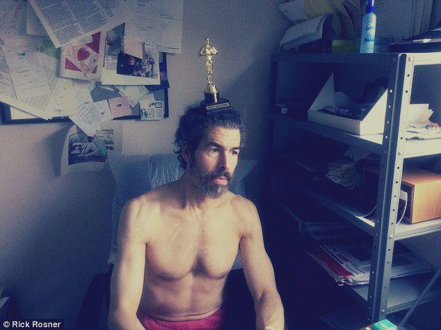 المصري لايت وصفة ثاني أذكى رجل في العالم لتكون شخص ا نابغ ا المصري لايت Fashion Cross Necklace