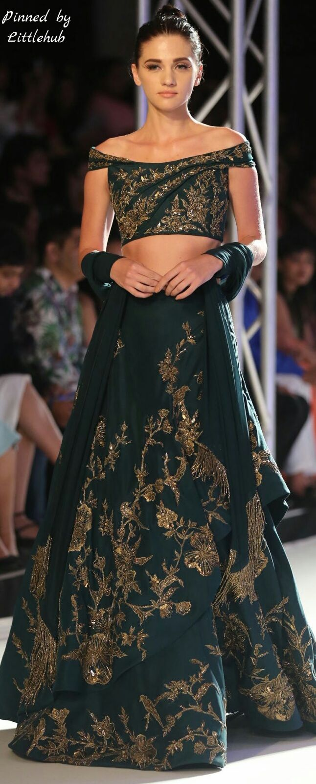 The 1000+ best That Eastern Flair images on Pinterest | Indian gowns ...