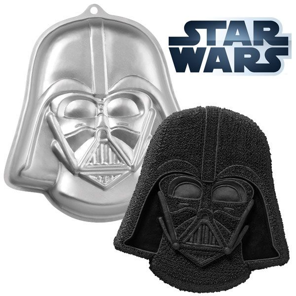 Bring Star Wars™ action and adventure to kids' parties and adult celebrations with our Darth Vader™ Cake Pan.