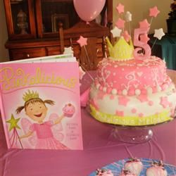 @Solange Morrissette...Pinkalicious cake, so cute