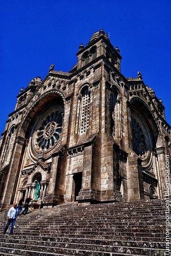 Basilica de Santa Luzia Viana do Castelo http://www.flickr.com/photos/turismoenportugal/7808330148/