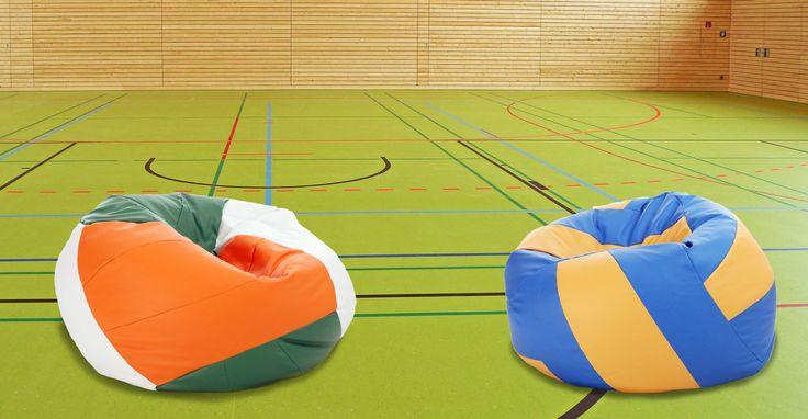 Lubicie grać w piłkę? ⚽ Jesteście aktywni na boisku lub na sali sportowej? ⛹️♂️⛹️♀️  Po wysiłku fizycznym dobrze jest odpocząć na wygodnych pufach! 😍 Są one przygotowane specjalnie dla miłośników dyscyplin sportowych, w których to PIŁKA rządzi! 🏉🏐🏀🏈⚾⚽  W naszej ofercie znajdziecie pufy piłki: ✅ koszykowe ✅ futbolowe ✅ rugby ✅ tenisowe ✅ siatkowe     #pufapiłka #piłkakoszykowa #piłkatenisowa #piłkarugby #piłkanożna #pufafutbolowa #piłkasiatkowa #relaks #odpoczynek #