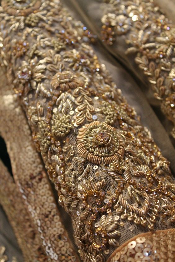 Beautiful goldwork. Bullion. Hand embroidery details couture fashion.