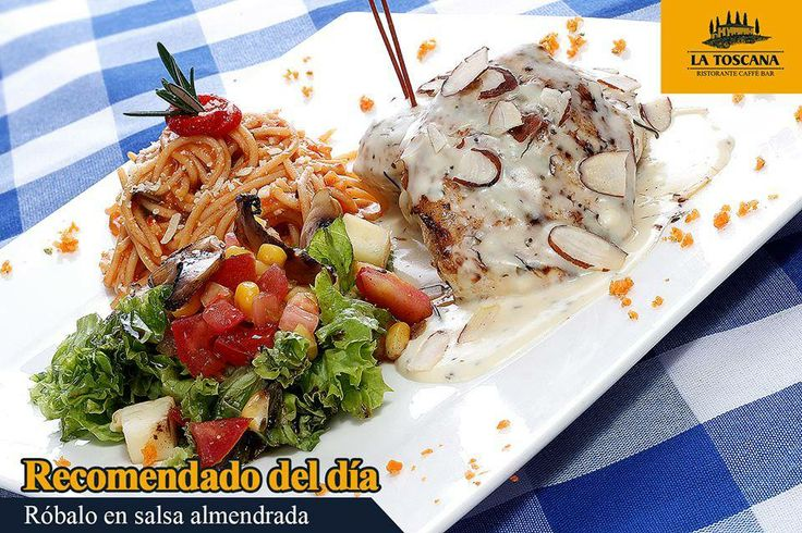 Róbalo en salsa de almendras  Montado sobre puré de papas, acompañado de spaguetti en salsa roja, ensalada y pan de la casa.