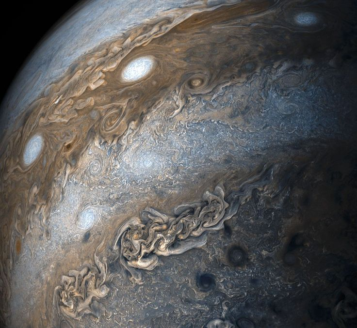 NASA's Juno space probe has been orbiting Jupiter and dazzling us with photos of the giant gas planet for over a year now. In recent days, Juno has capture