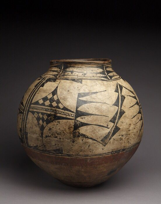 Storage jar, San Ildefonso Pueblo, circa 1850. School for Advanced Research, Santa Fe. Gift of Mary Cabot Wheelwright. Photograph by Addison Doty.