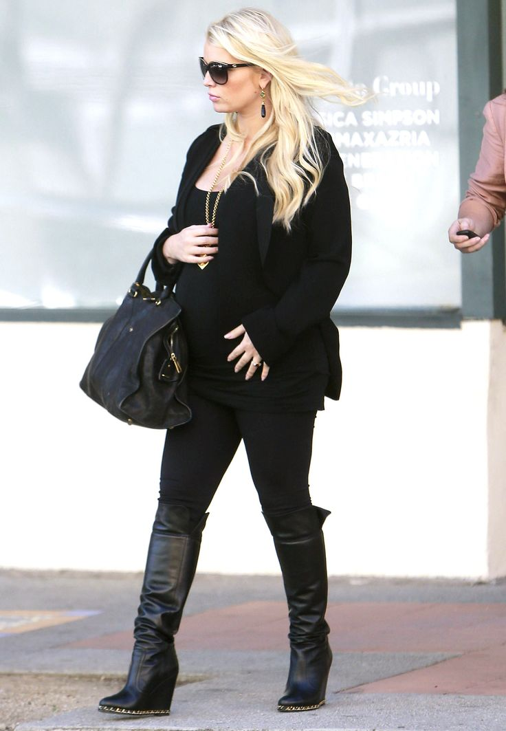 Pregnant Jessica Simpson and her assistant leaving The Camuto Group offices in Westwood, California on February 21, 2013.