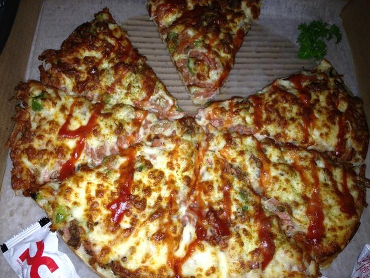 Persian Pizza - New York Pizza - Toronto 2012
