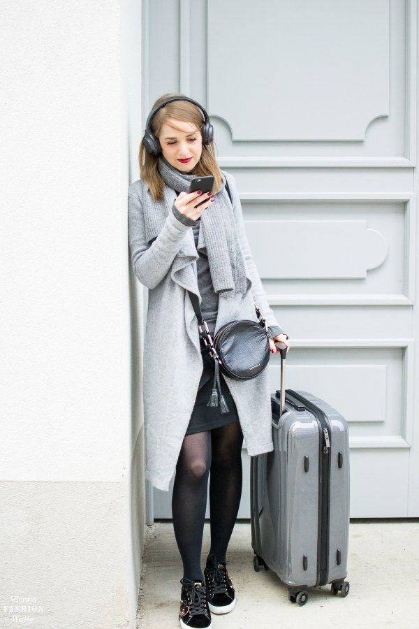 Grey Cardigan Outfit with grey Sony Mini Wireless