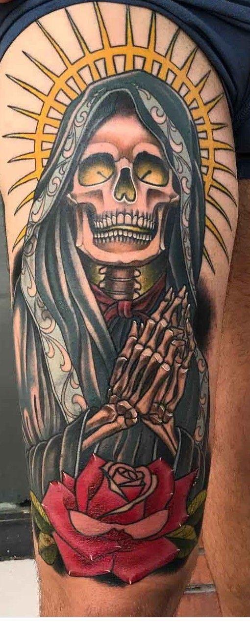 Tattoo Design Drawings, Tattoo Sleeve Designs, Sleeve Tattoos, Calf Tattoos, Skull Girl Tattoo, Skull Tattoos, Time Tattoos, Tattoos For Guys, Santas Tattoo