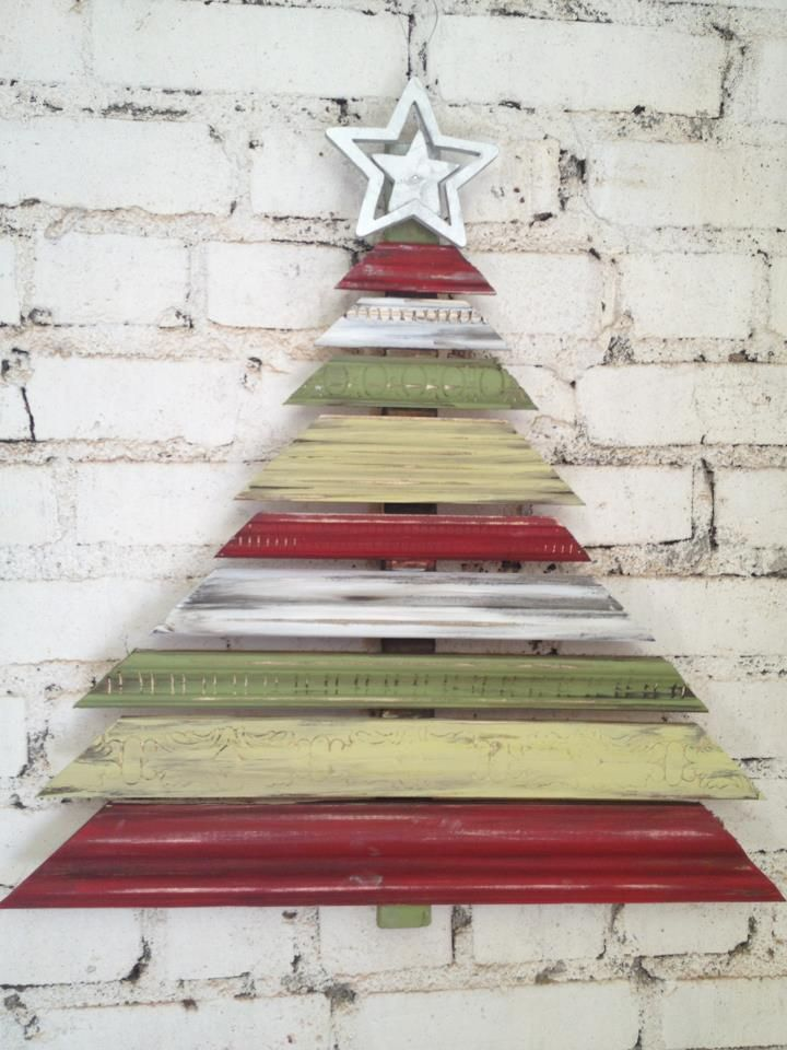 Wood trim Christmas Tree @Jerri Lindsay this is cute...made from trim pieces