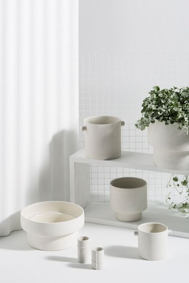 Podium Pot by Zakkia  |  The minimalist pot/vessel range from Zakkia is both stylish and versatile. Not just great for plants, use them to hold stationery, haberdashery and accessories. Hand made and designed in Australia too. #zakkia #potplant #indoorpotplant #plantpots #greenthumb #interiordesign #pots #vessel #australiandesign #handmade #homewarestation #interiorsstation #minimalistdesign #scandidesign #scandinaviandesign