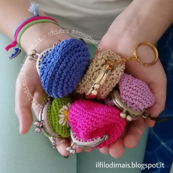Clik-clak portachiavi crochet handmade colour - piccoli borsellini per le monete - idea regalo - https://ilfilodimais.blogspot.it/2017/07/portachiavi-clik-clak-alluncinetto.html?m=0