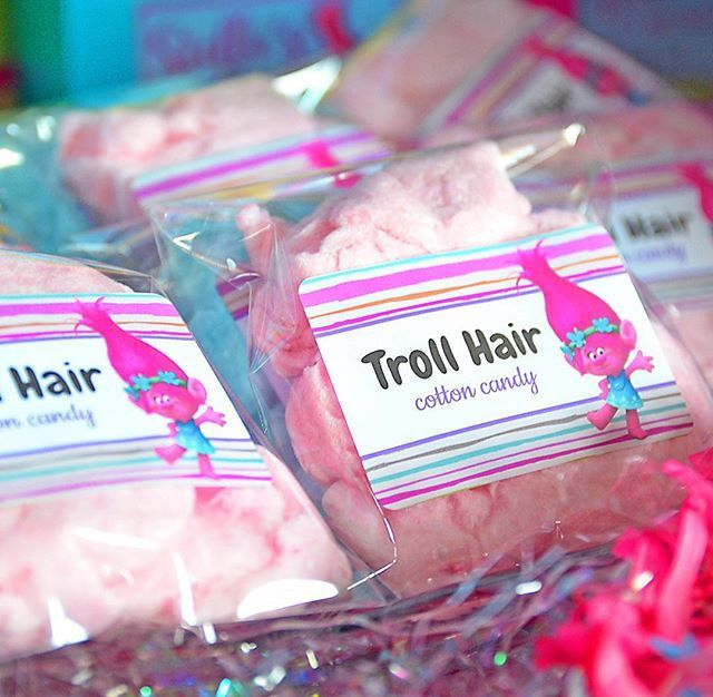•Troll Hair• Cotton Candy...oh-so-cute party favors! #toocutepaperie #trollsparty #cottoncandy