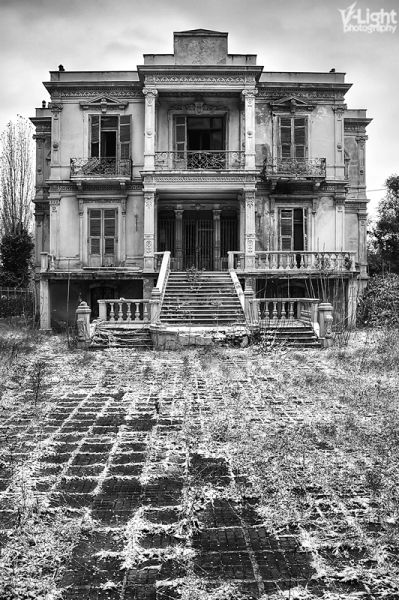 Thessaloniki, the Salem Mansion. Located at Vasilisis Olgas 20 street, it was built in 1878 by famous architect Xenofon Peonidis, for a Jewish merchant named Jeborga.