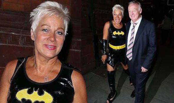 Denise Welch, Denise Welch fancy dress, Denise Welch Coronation Street, Coronation Street party, Kym Marsh, Simon Gregson, Les Dennis
