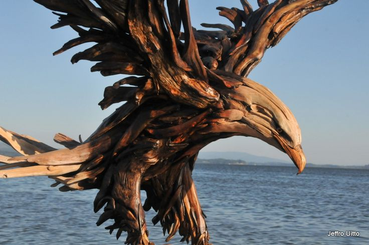 Knock on Wood – Driftwood Art by Jeffro Uitto {The Dirt on Green}