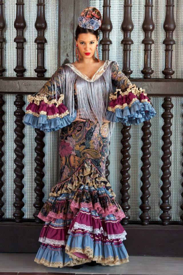 ▶️ Traje de flamenca terciopelo patchwork  💟 Diseño exclusivo de Viviana Iorio ▶️ Colección 2015, Sevilla, España 💌 info@vivianaioriotrajesdeflamenca.com