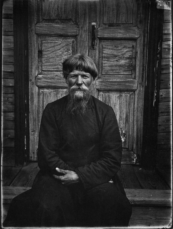 Настоятель молельни поморцев в Семеновском уезде. 1897 г. Негатив 18х24 см