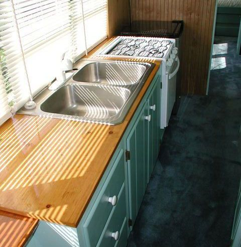 Plywood countertop = both the look and the price (can you say 'affordable'?) work for me!