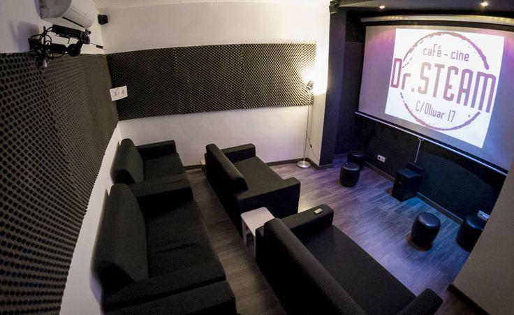 La silenciosa resurrección del cineclub Las películas en versión original, proyectadas en cafeterías de pequeños aforos, están en auge - La sala de cine de Dr. Steam