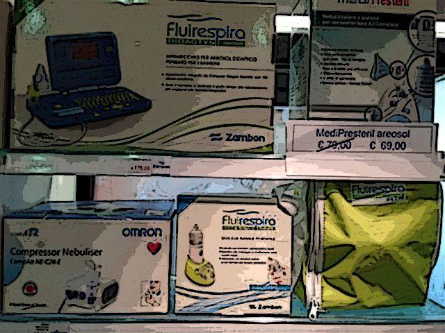 In farmacia trovi un'ampia gamma di aerosol e nebulizzatori, utilissimi in questa stagione specie per chi ha dei bambini soggetti alle tipiche malattie stagionali. Ma non solo..