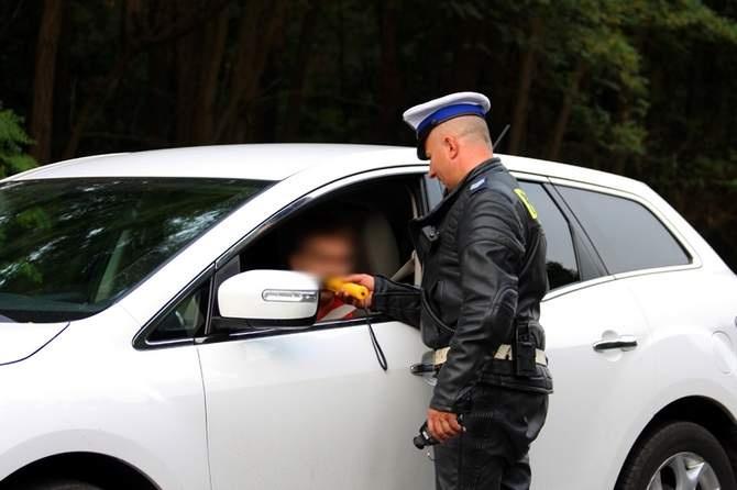 2012-08-24. Policja sprawdzała trzeźwość kierowców w Zielonej Górze